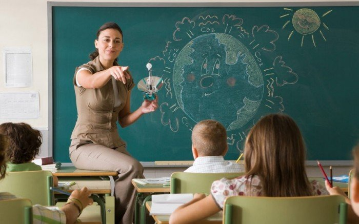 Поздравление учителям своими словами 125